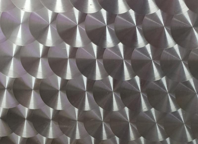 Tôle Aluminium Bouchonné